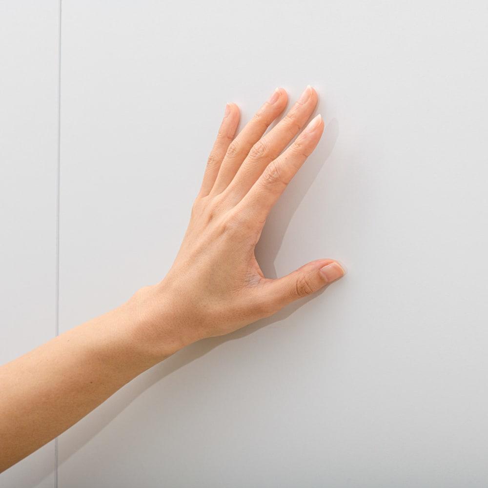清潔に安心して使える 食器からストックまで入るキッチンパントリー収納庫 幅90奥行55cm 化粧合板表面に、抗菌・抗ウイルス加工を施された表面シートを使用しています。
