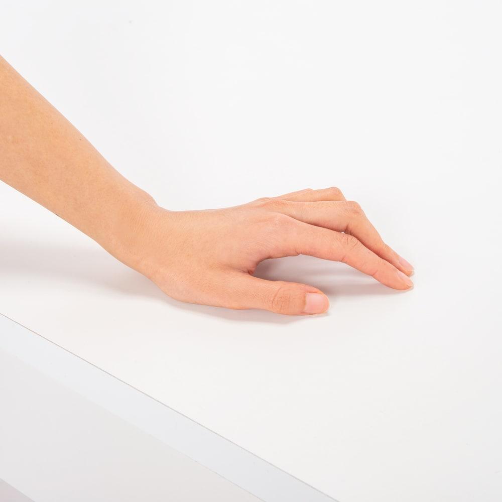 清潔に安心して使える 配線すっきりデスクシリーズ デスク・幅120cm奥行60cm 化粧合板表面に、抗菌・抗ウイルス加工を施された表面シートを使用しています。