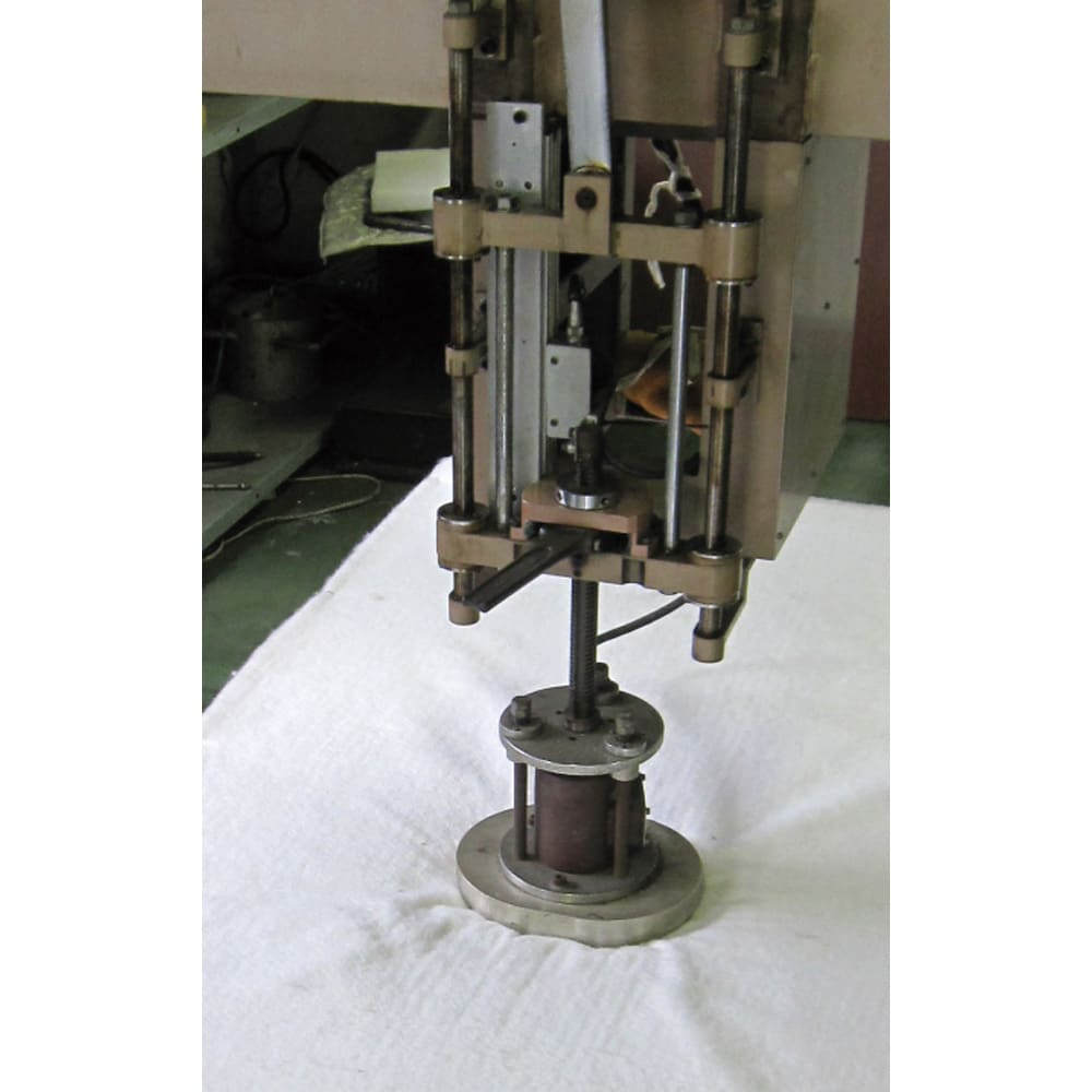 西川マットレス付き棚付省スペースベッド(ショート/レギュラー) (3)コイルの強度など耐久試験も自社内の施設で実施しています。