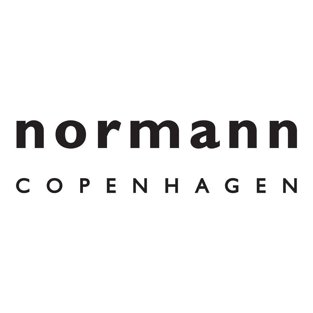 BlockWagon/ブロックワゴン [normann copenhagen・ノーマンコペンハーゲン] 1999年設立。ミニマルな美しさと機能性をあわせ持つコレクションを多数発表し、現在までに国内外で50以上のデザイン賞を獲得。