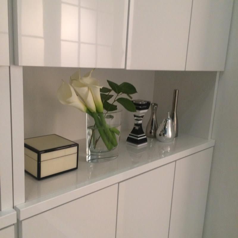 靴が出し入れしやすい下段オープンシューズボックス 飾り棚ハイ・幅75.5cm 飾り棚にはお気に入りの雑貨をディスプレイできます。