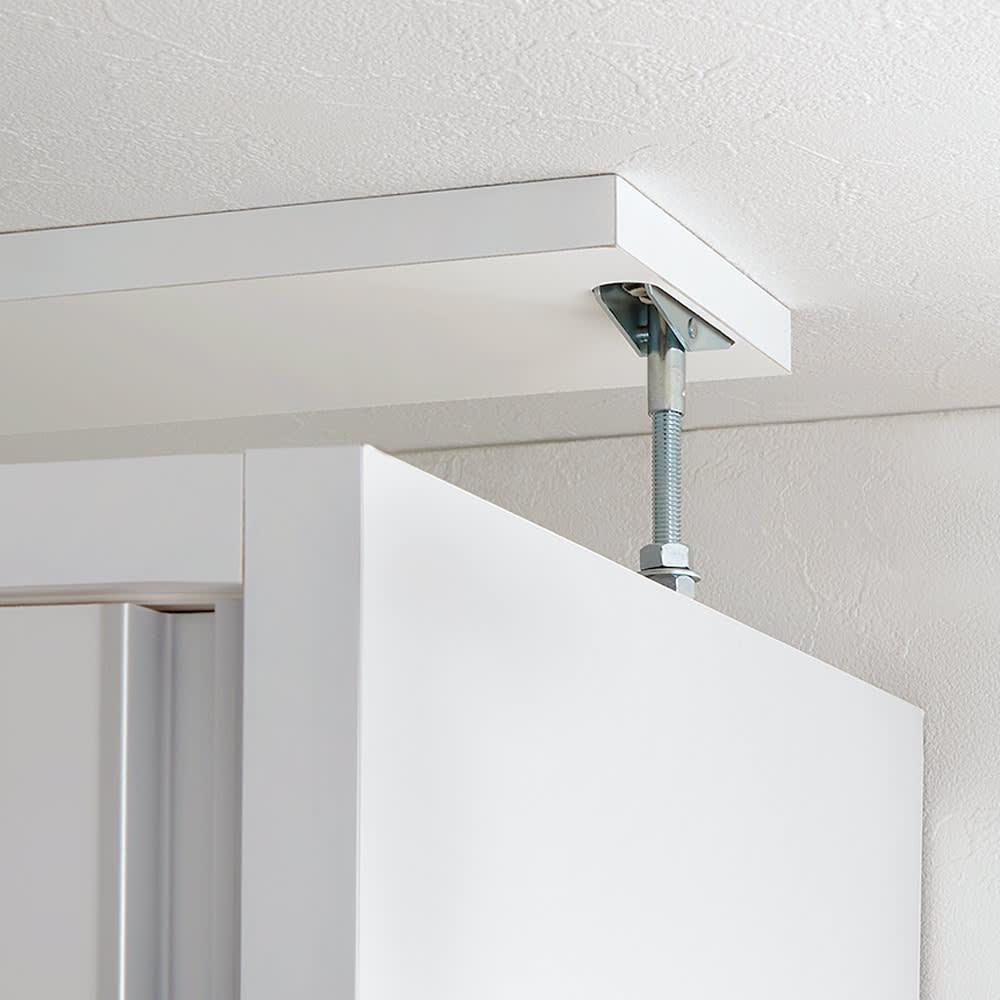 収納性が自慢の引き戸式本棚 幅120本体高さ228cm 面で突っ張って固定させる安心構造。