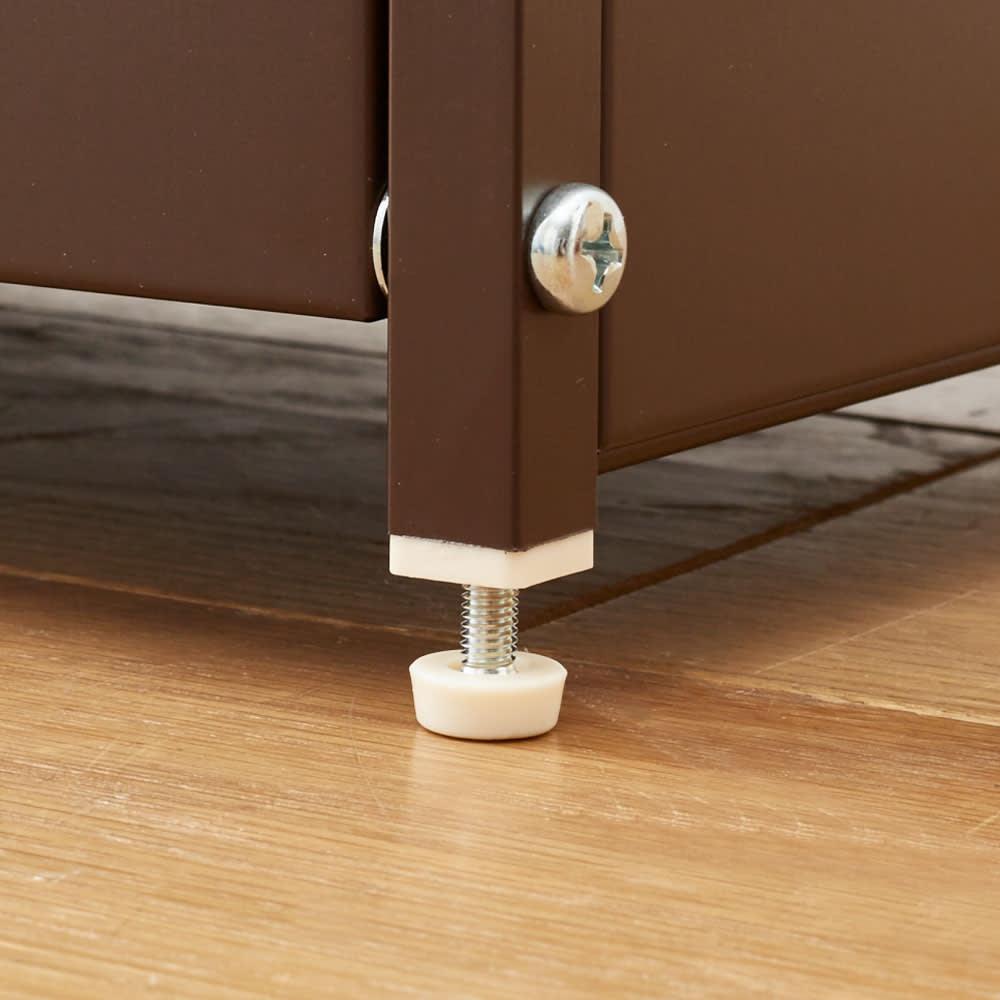 スリムな分別ダストボックス ペール横置き15リットル2分別 脚部には高さ調節できるアジャスター付き。