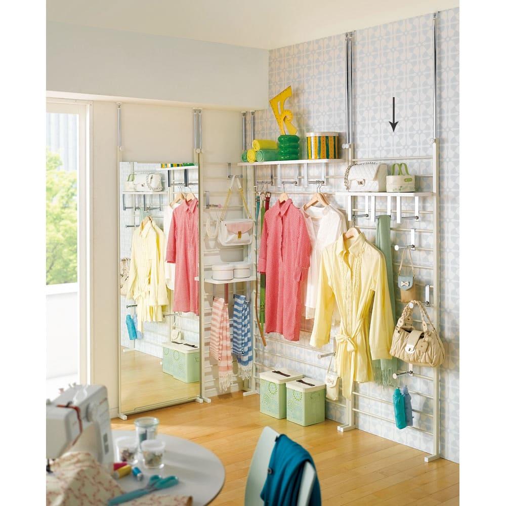 薄型突っ張りブティックハンガーラック ロータイプ  幅65cm (ア)ホワイト 自分の部屋で毎朝のコーディネートに使うのも便利です。