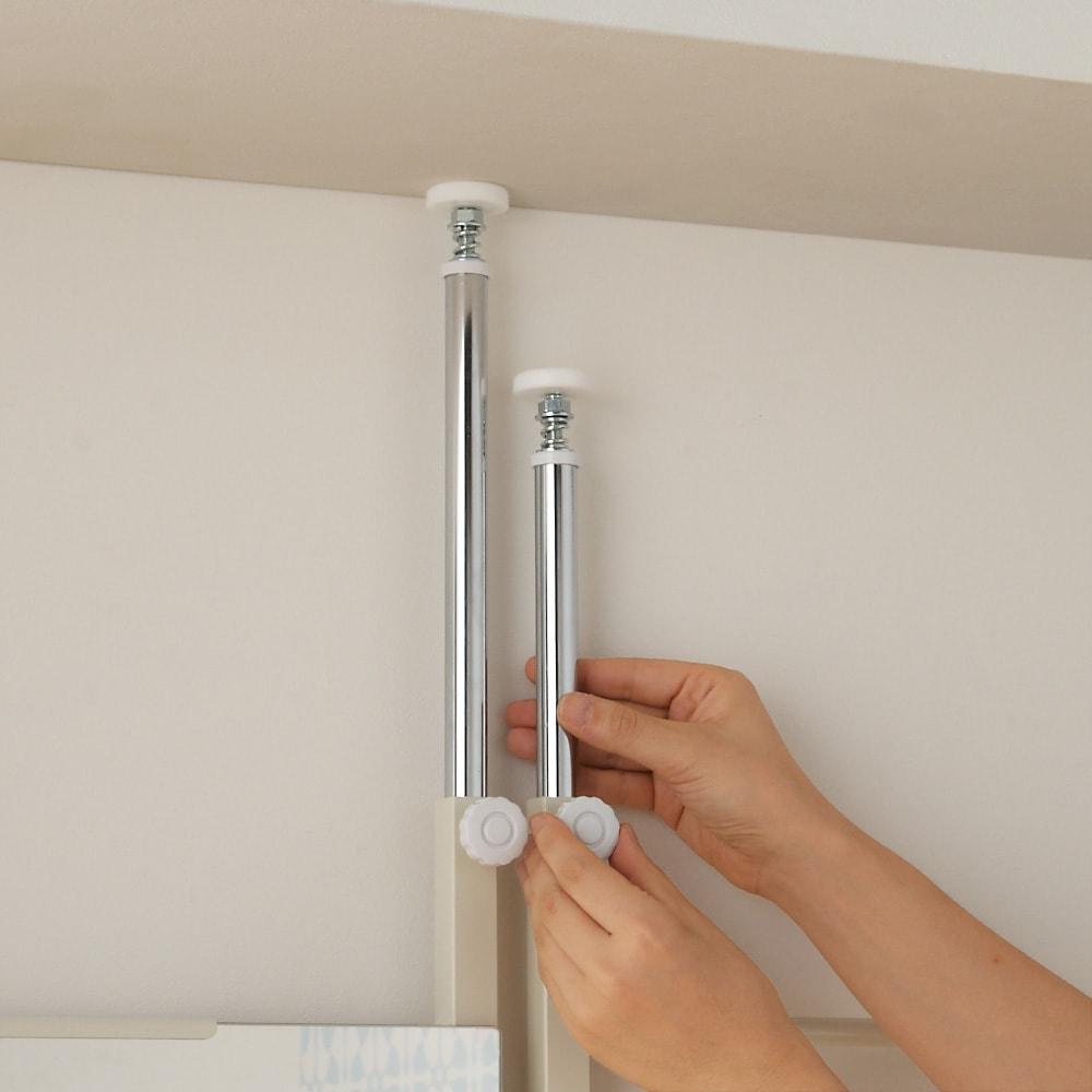 薄型突っ張りブティックハンガーラック ロータイプ  幅65cm 支柱を突っ張り、つまみをまわすだけの簡単設置です。