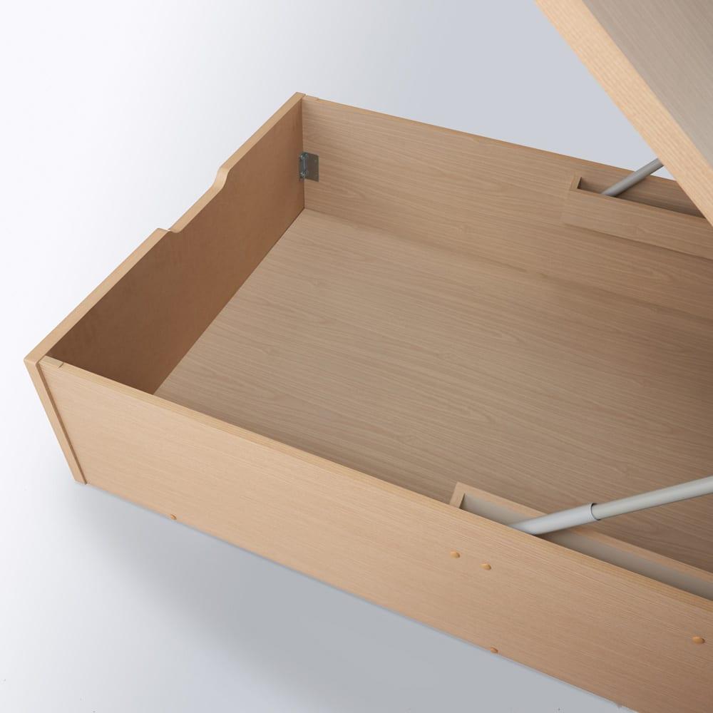 深型ガス圧式跳ね上げベッド レギュラー 収納部内寸高さ39cm。スーツケースや長尺物もすっぽり入ります。