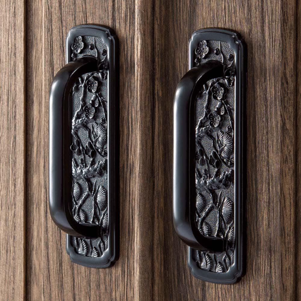 うづくり仕上げ本格ユニット総桐箪笥 扉盆4杯・高さ45.5cm 風格漂う仕上げ。角金具、蝶番、取っ手にもこだわった重厚な作りです。