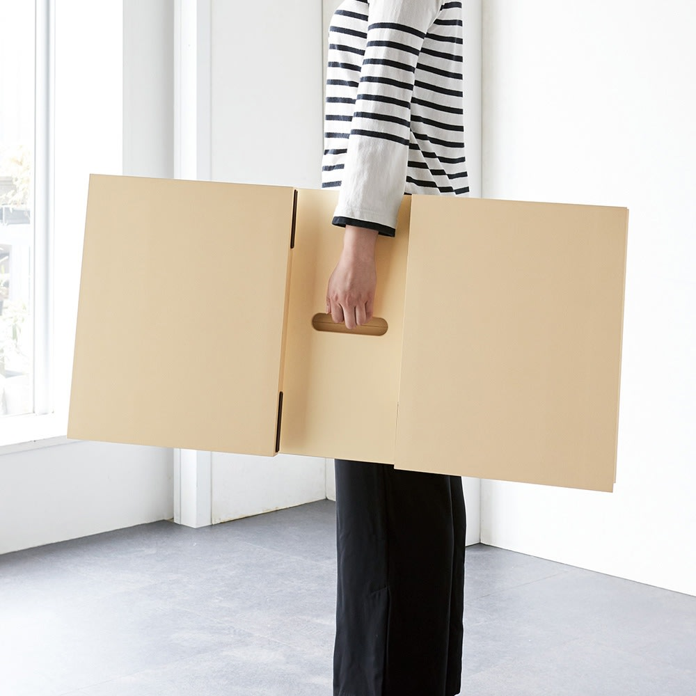 レザー調リビングテーブル 幅120 脚部は折りたため、天板裏に手掛けがあるので持ち運びも簡単。