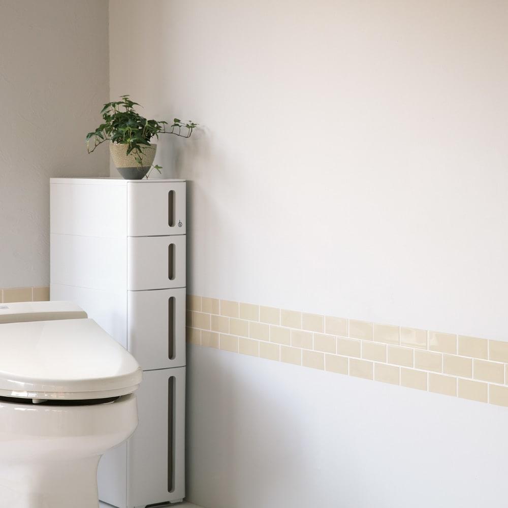 3Dモザイクタイルシール 使用例(ウ)ベージュ トイレなどの狭い空間には部分使いがおすすめ! ※写真は約4枚使用しています。