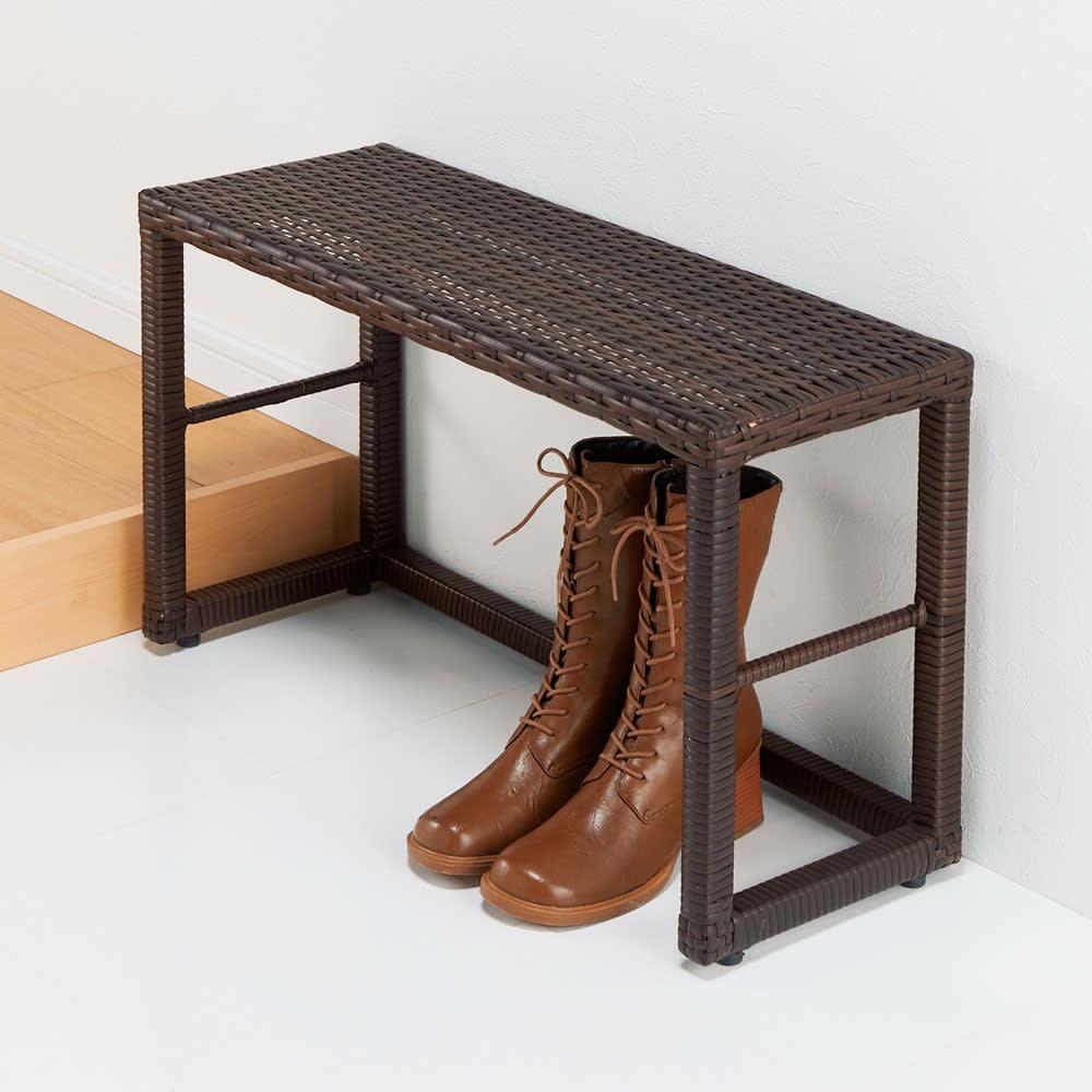 ラタン風玄関ベンチ 幅70cm 中段の棚を外せば、ブーツやシューズボックスも収納できます。