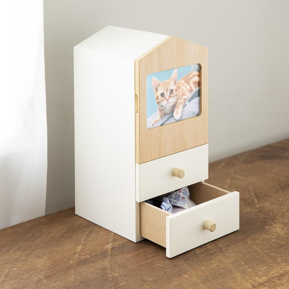 木製メモリアルボックス(オルゴール機能付き) 小 引出し2杯 2段に分かれているので、思い出の品をまとめて収納できます。