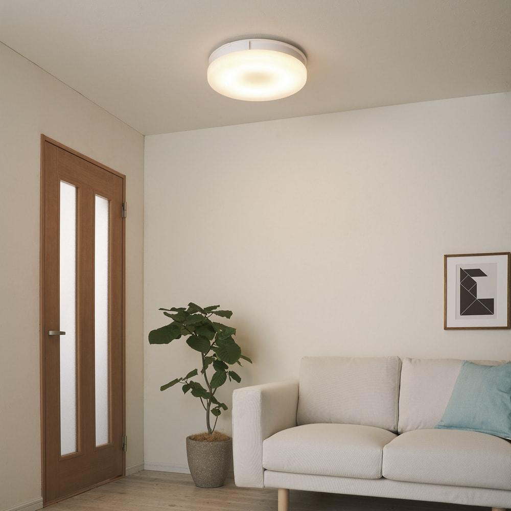羽根のないシーリングライト LEDスマートシーリングファン 「UZUKAZE」 [電球色] 調光は10段階・調色(電球色~昼白色)は20段階。