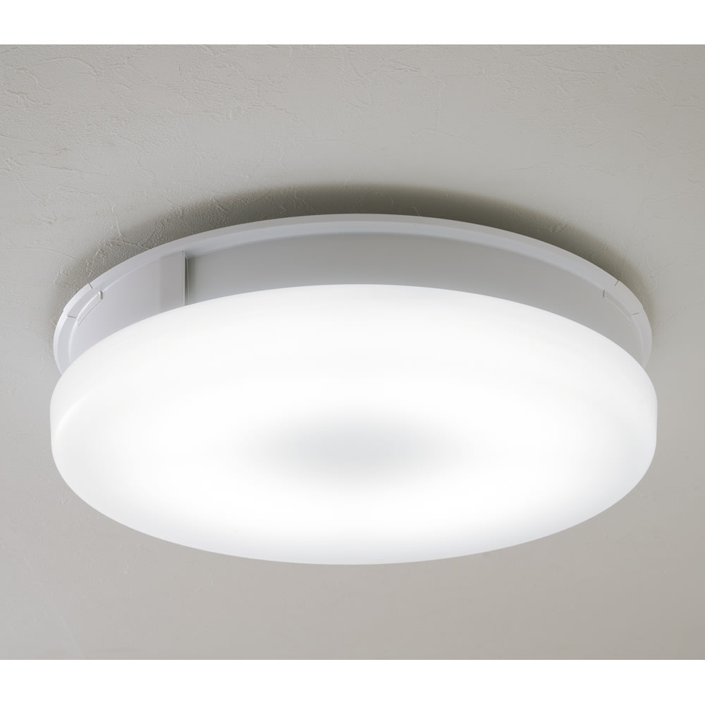羽根のないシーリングライト LEDスマートシーリングファン 「UZUKAZE」 羽根の無いスリムなシーリングファンがお部屋の空気を循環! 側面から空気を放出。部屋内に撹拌。上部から空気を吸引 (昼白色)。