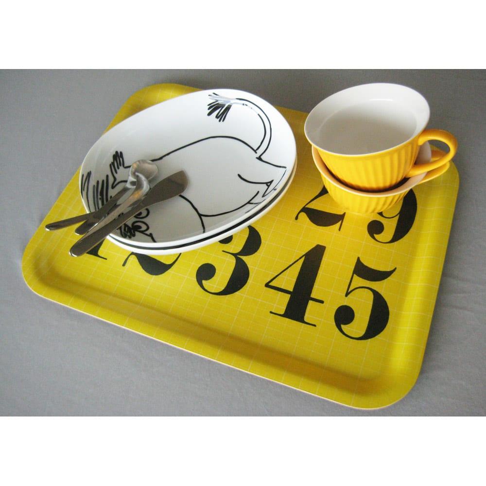 Eames/イームズ トレー(1枚) 大き目のお皿やカップを置いても余裕のサイズです