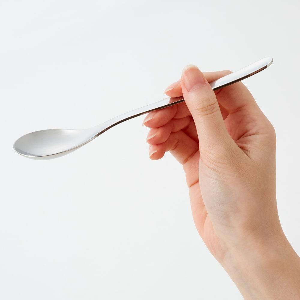 柳宗理 ナイフ&フォーク&スプーン 3本セット 日本人の手にちょうどあう絶妙なサイズです。