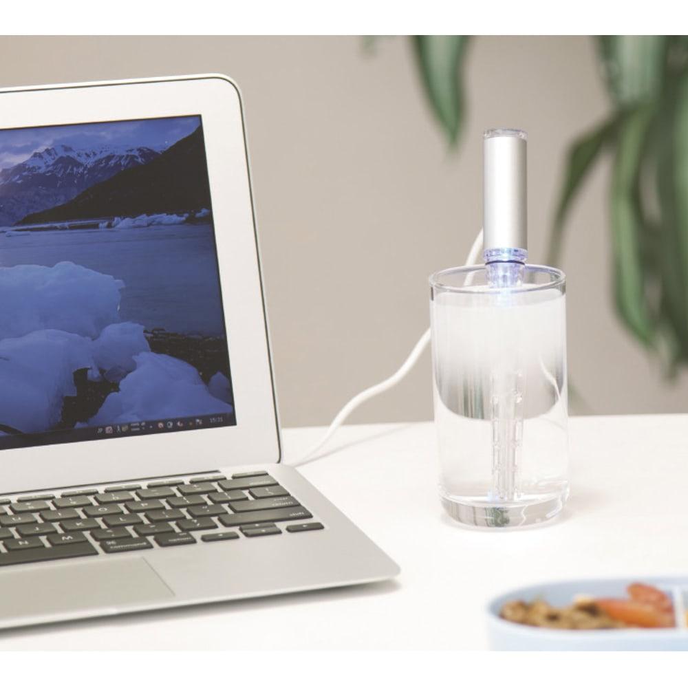 水素水スティック 通常のコンセントの他パソコンなどのUSBでも電源が取れるから海外での使用もOK.