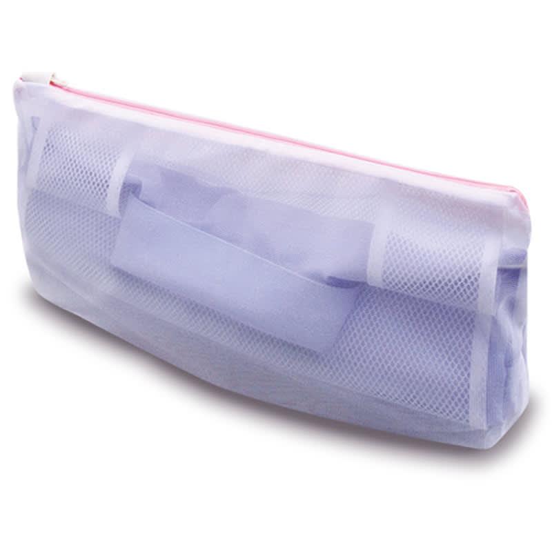 シャツとパンツのための洗濯ネット シャツ用・パンツ用各1枚セット 全部巻いたらネット本体に入れファスナーを閉めます。この状態で洗濯機へ!