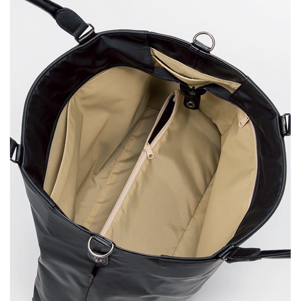 ヤマト屋 うすかるトートバッグ ヤマト屋バッグの特長「隠し底ポケット」、その裏がICカード入れになっているので、バッグの底をピッと当てるだけで改札を通れます。毎日の通勤に大変便利。