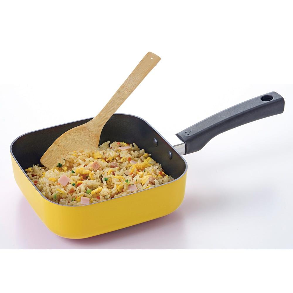 1台7役 便利に使えるスクエアパン 電磁調理器使用可能  深さがあるので炒め物もできます。