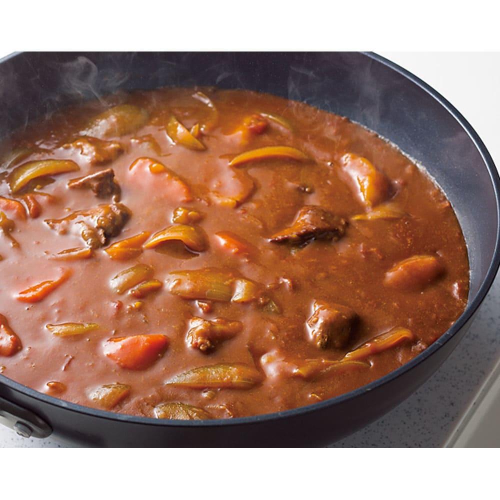ウー・ウェンパン プラス フルセット 径24cm IH用 カレー 深さがあるので、カレーも煮物も一度にたっぷり作れます。