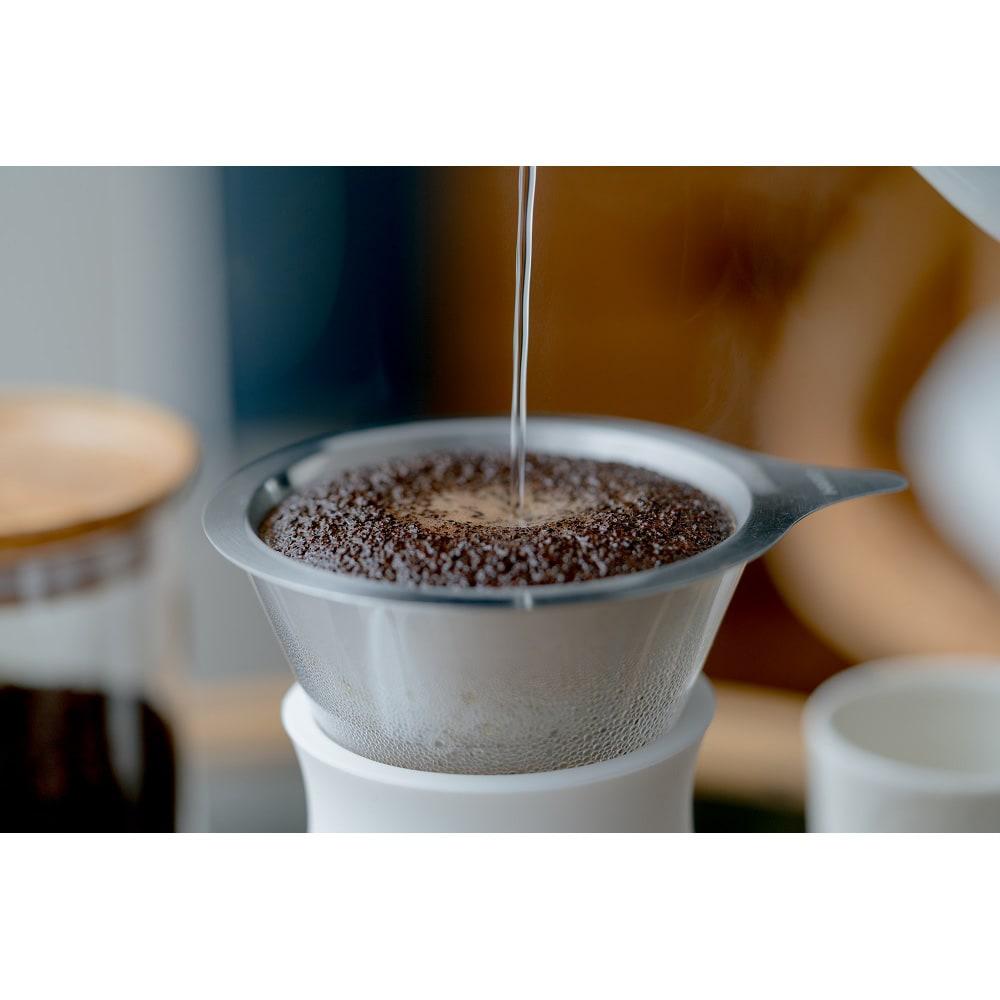 HARIO/ハリオ グラスコーヒーメーカー Simply HARIO ペーパーフィルターでドリップしたようなクリア感とメタルフィルターならではのコーヒーオイルが感じられる味わいを楽しめます