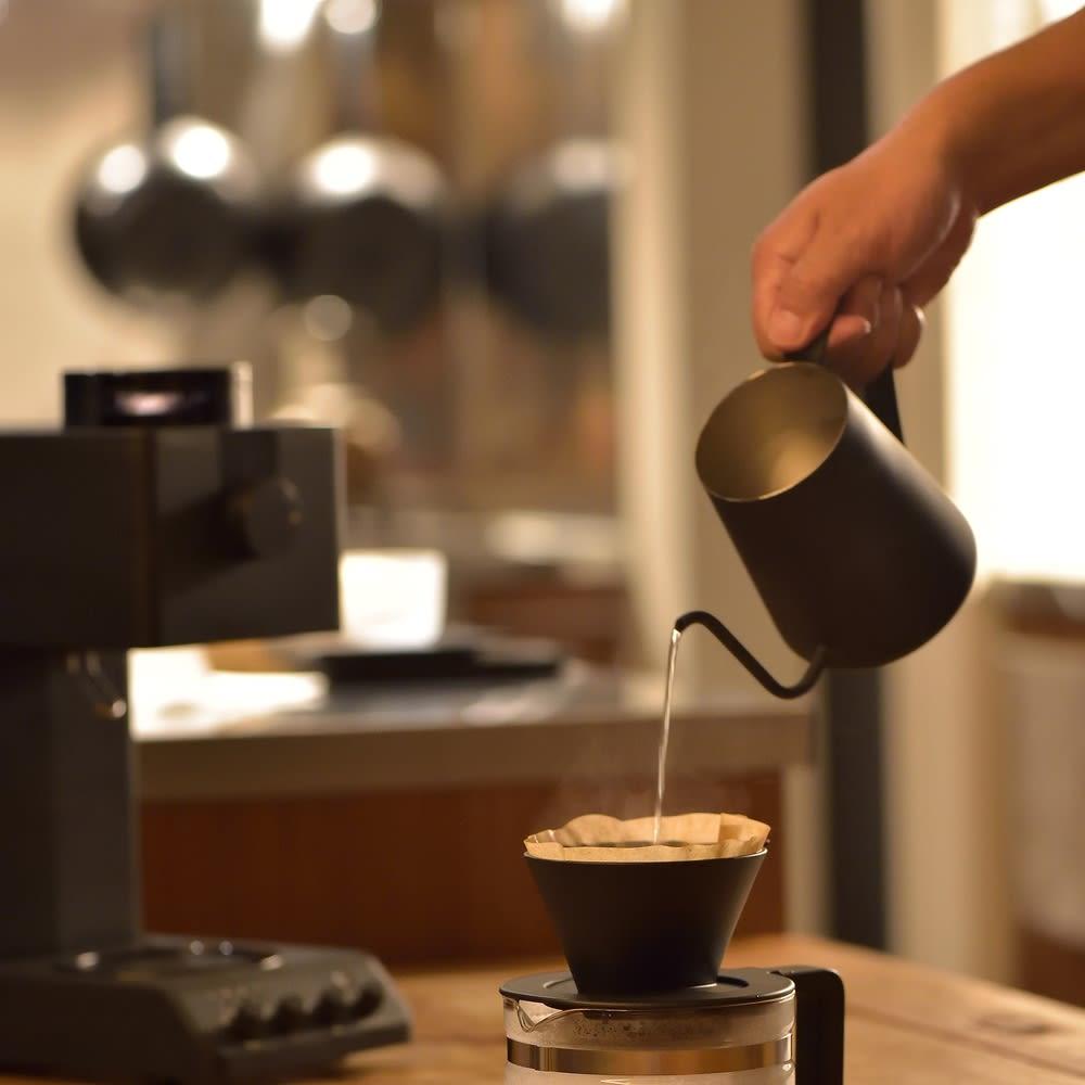 「カフェ・バッハ」 田口護氏監修 全自動コーヒーメーカー3杯用 (TWINBIRD CM-D457B) ミル機能のみを使用して、ドリッパーとサーバーを本体から降ろすことでハンドドリップをすることも可能です。