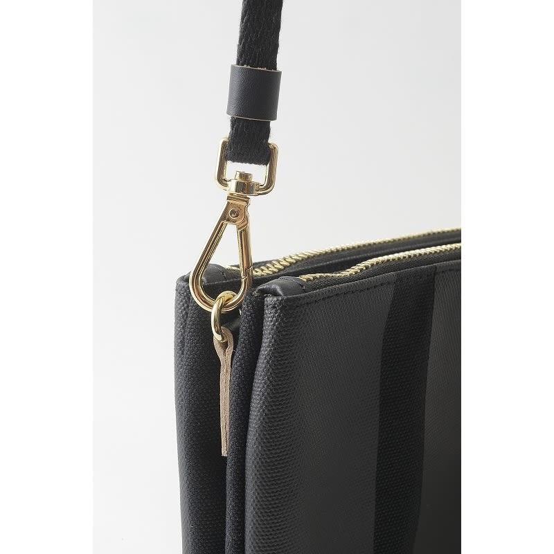 PUNTO&LINEA ショルダーバッグS ストラップを外して、クラッチバッグやバッグインバッグとしても。