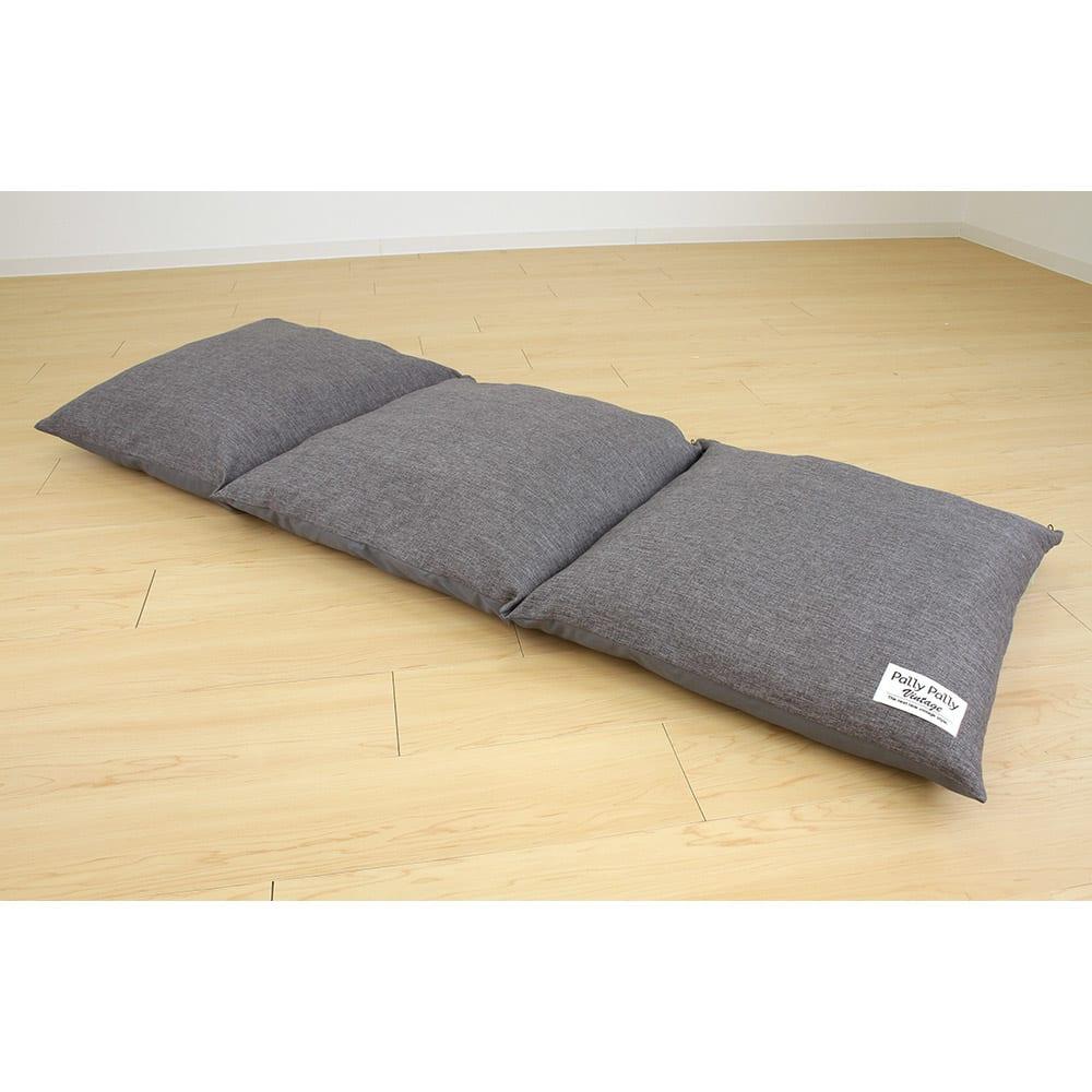 座布団がごろ寝クッションになる座布団収納袋 (イ)グレー