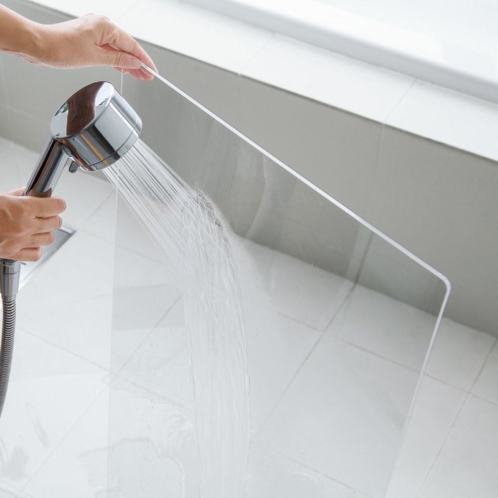 アクリル製ペットゲート 高さ40.5cm すりガラス お得な2枚組(コーナー兼用) アクリル部は水洗いOK。柔らかい布で軽く洗うだけで美しさを保ちます。