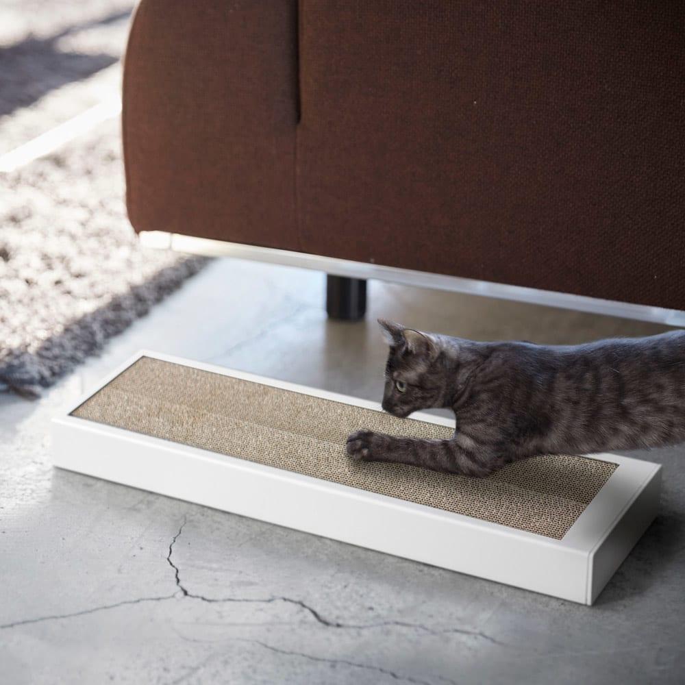 猫の爪とぎケース タワー 使用イメージ(ア)ホワイト