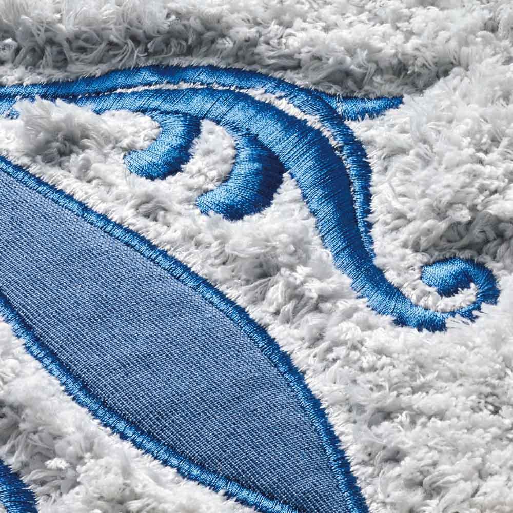サフィー トイレマット 美しく施された刺繍とアップリケ。