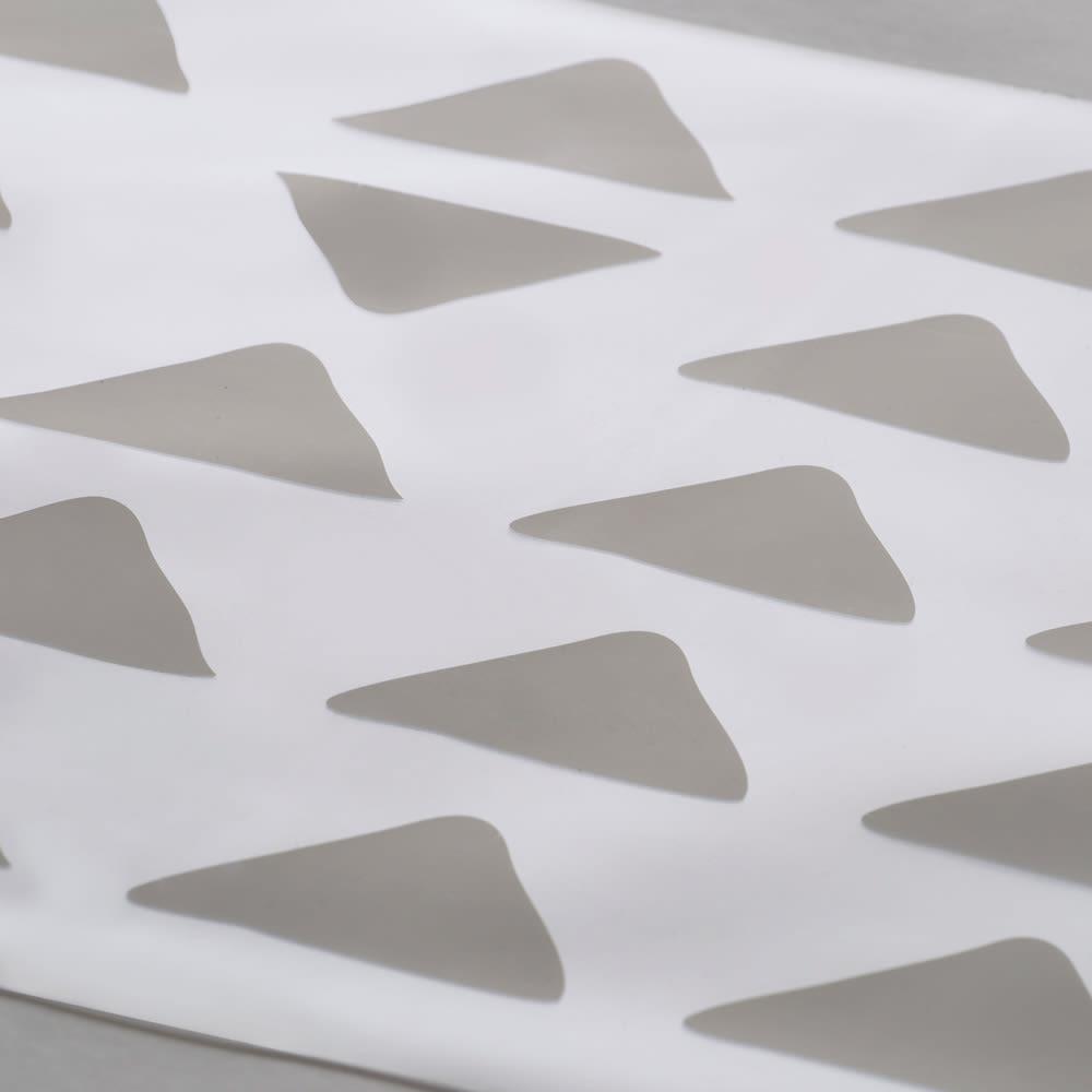 KOLMIO/コルミオ 透明キッチンマット (イ)ライトグレーはダークブラウン系の床によく映えます。