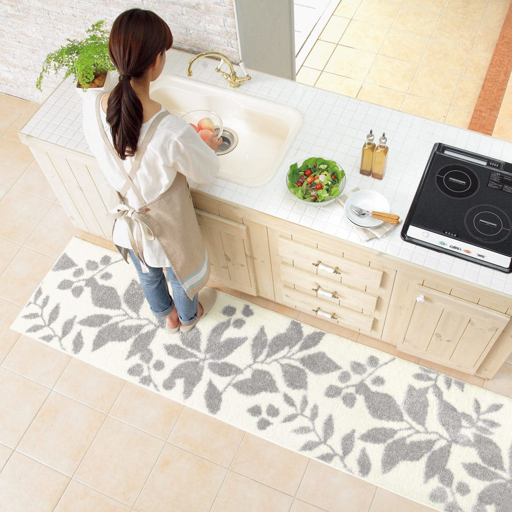 消臭キッチンマット 幅45cm (ウ)シルキーグレー ※写真は約60×240cmタイプです。お届けは幅45cmタイプです。