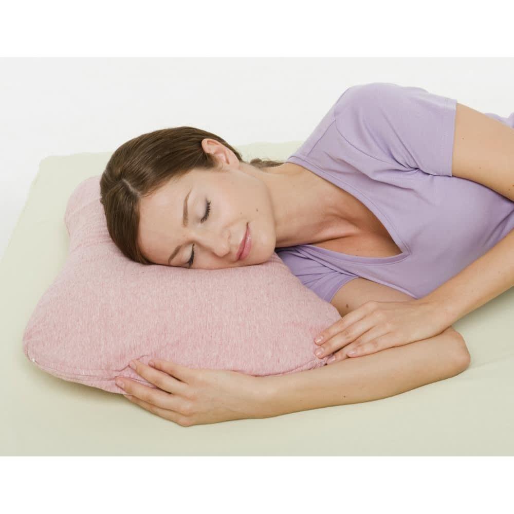 エネタンピローフェミニン(枕カバー付き) 寝返りまでも包み込んでくれる優しい枕