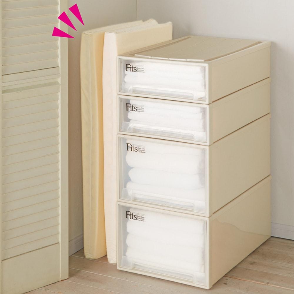 4つ折り軽量敷布団 本体のみ 【コンパクトに収納可能】 4つ折りにできるので、奥行きの浅いクローゼットなどにもコンパクトに収納できます。