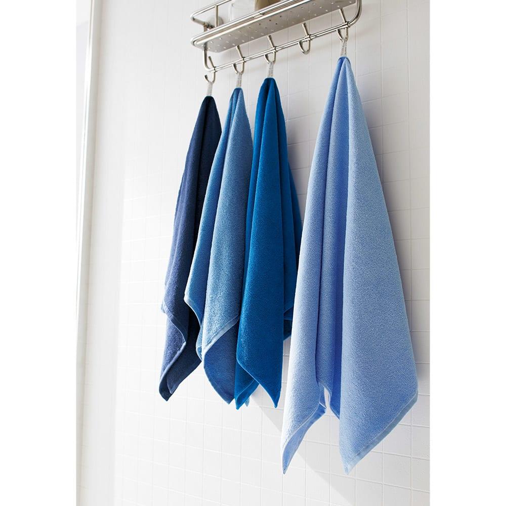 Blue on Blue(ブルーオンブルー) タオル ミニバスタオル 色が選べる2枚 左からトゥルーネイビー、マリンブルー、コバルトブルー、スカイブルー ※お届けはミニバスタオルです。