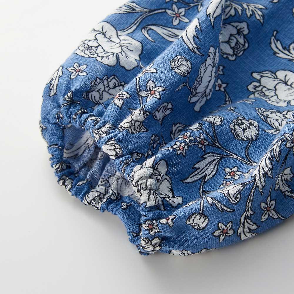 【TOUCH & FEEL (R) MATA 】 タッチ&フィール マータ 3WAY割烹着リラックスローブ(やわらかコットンレーヨンタイプ) 手首にはゴムを入れて袖が家事の最中に邪魔にならないように。