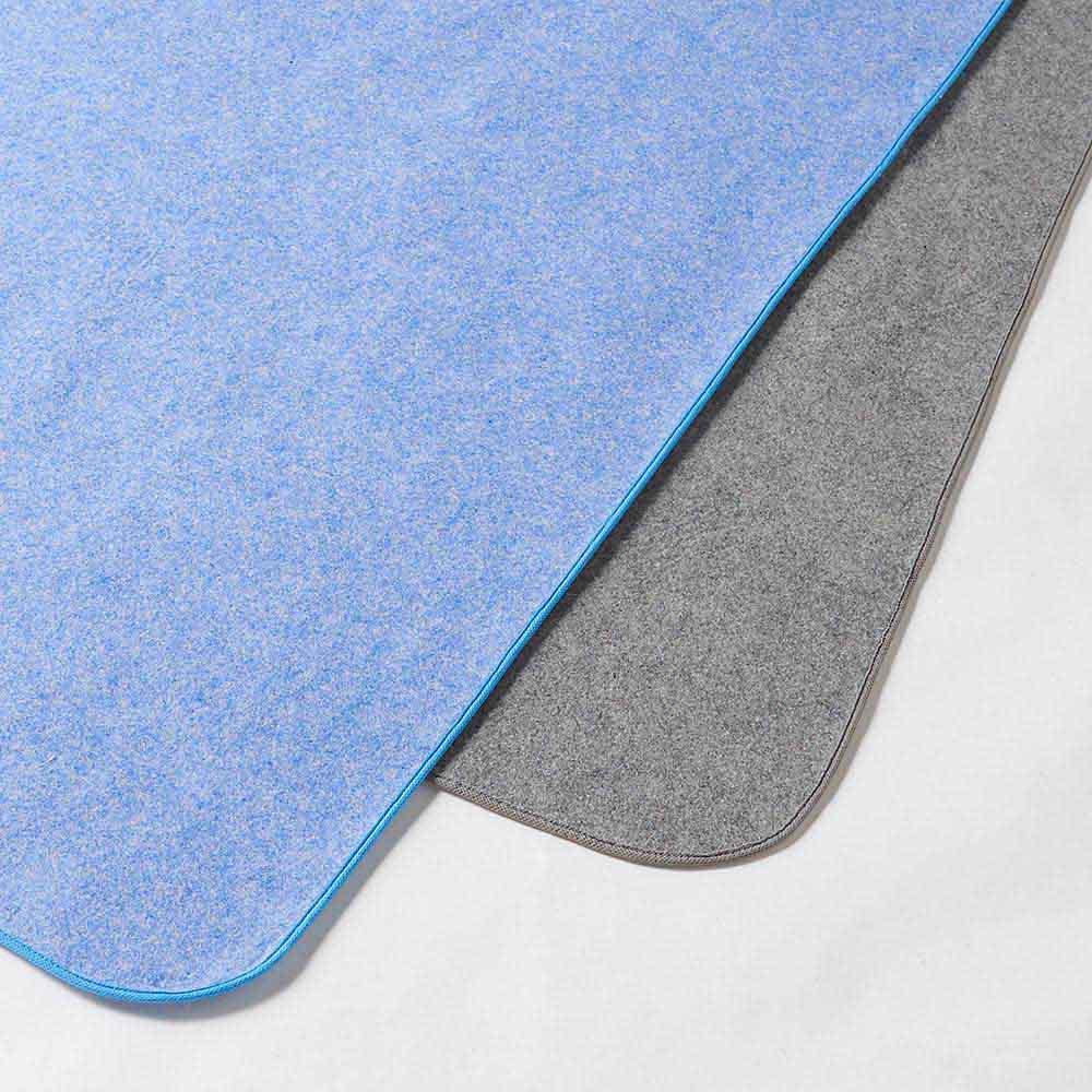 ファミリー布団用 除湿シート(ファミリーサイズ・家族用) 2色からお選びいただけます。左から(ア)ブルー(イ)グレー