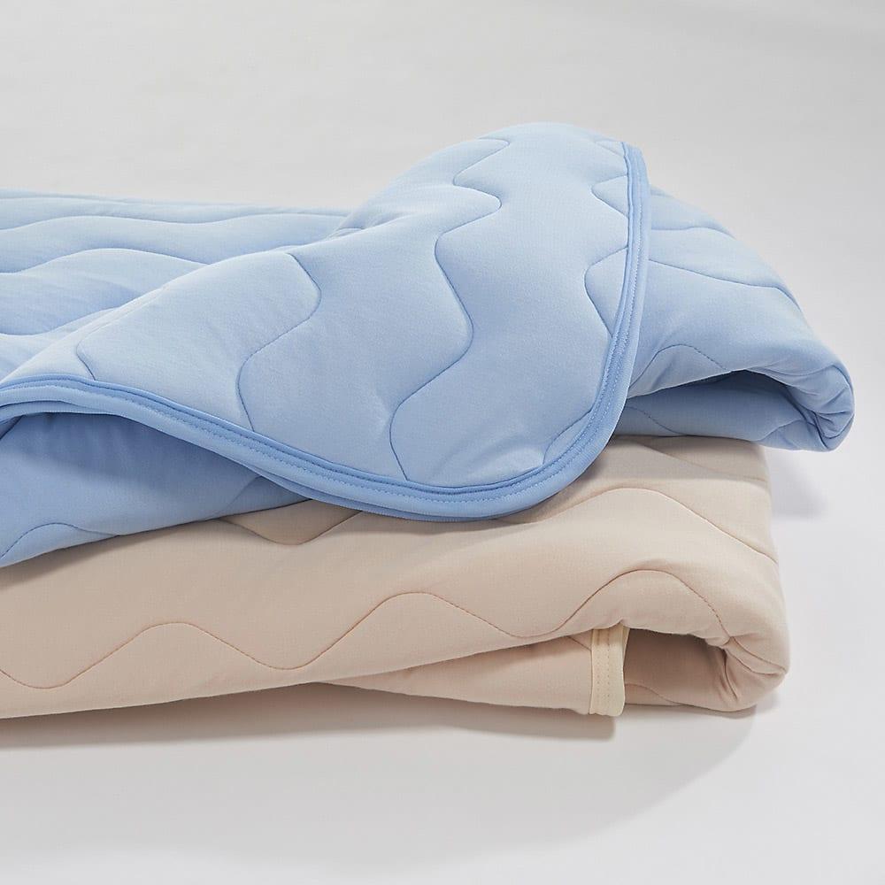 家族の寝具のニオイ対策に!フレッシュ&ドライ消臭除湿敷きパッド 敷きパッド 上から(ア)ブルー、(イ)ベージュ