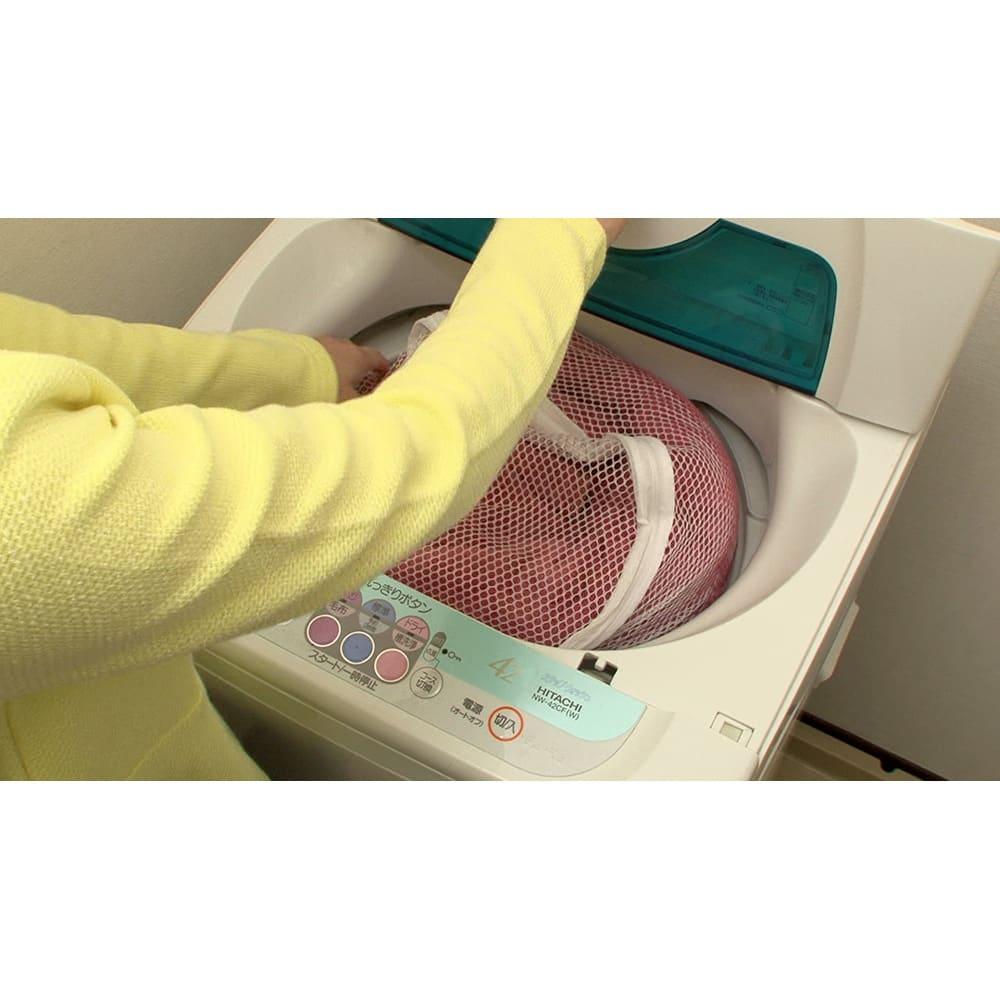 ヒートループ羽毛入り掛け布団 シングル 中に羽毛が入った掛け布団なのにご自宅の洗濯機で丸洗い可能!ぜひカバーを掛けずにお使いください。※洗濯ネット使用