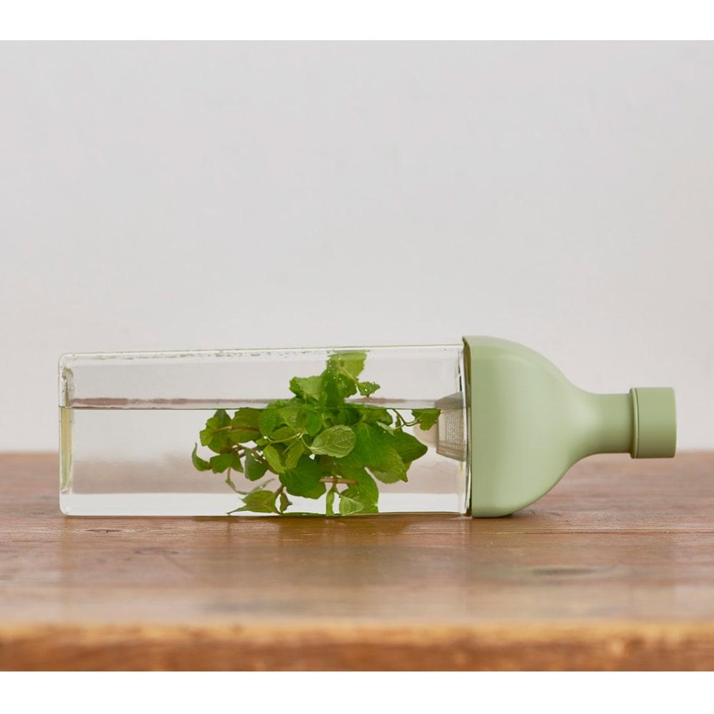 HARIO/ハリオ 冷蔵庫に横にして置ける カークボトル 使用例