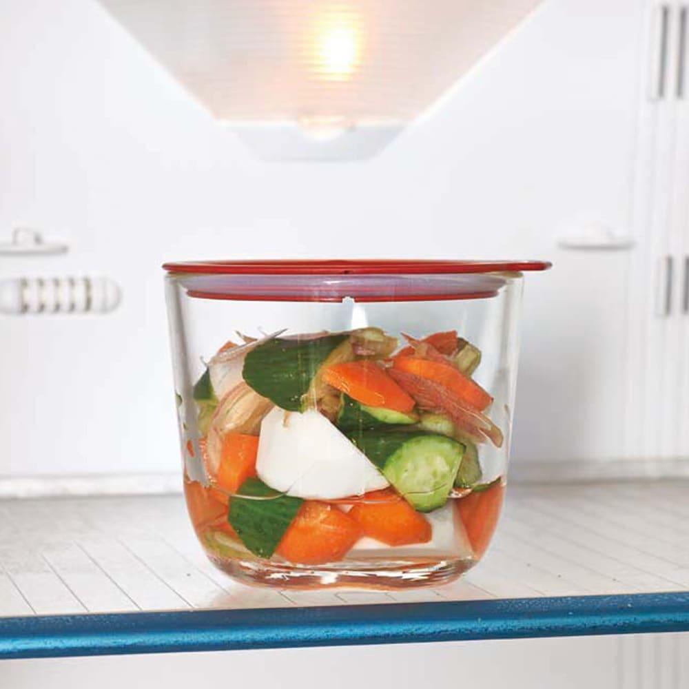 HARIO/ハリオ ガラスの一夜漬け器 1個 冷蔵庫で保存しても蓋つきで匂いが気になりません。