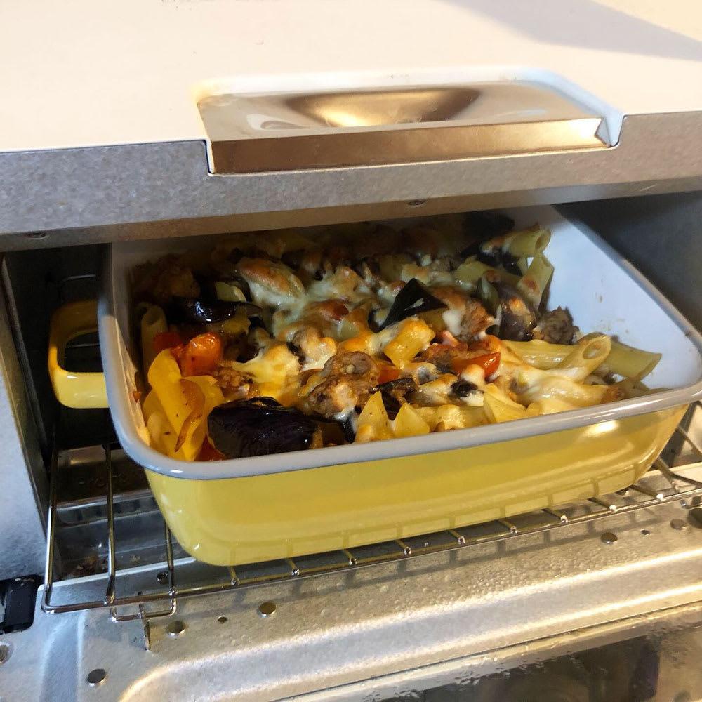 調理もできるホーロー容器 ホーローオーブンディッシュ1個 スクエア 1.8L トースターも使用できます。(一部入らないトースターもあります。)