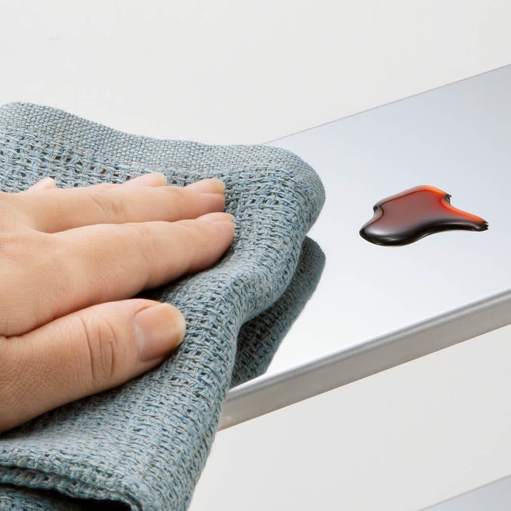 ステンレス棚ツール掛け付きスパイスラック1段ポット2個付き 棚板はステンレスなのでお手入れも簡単。