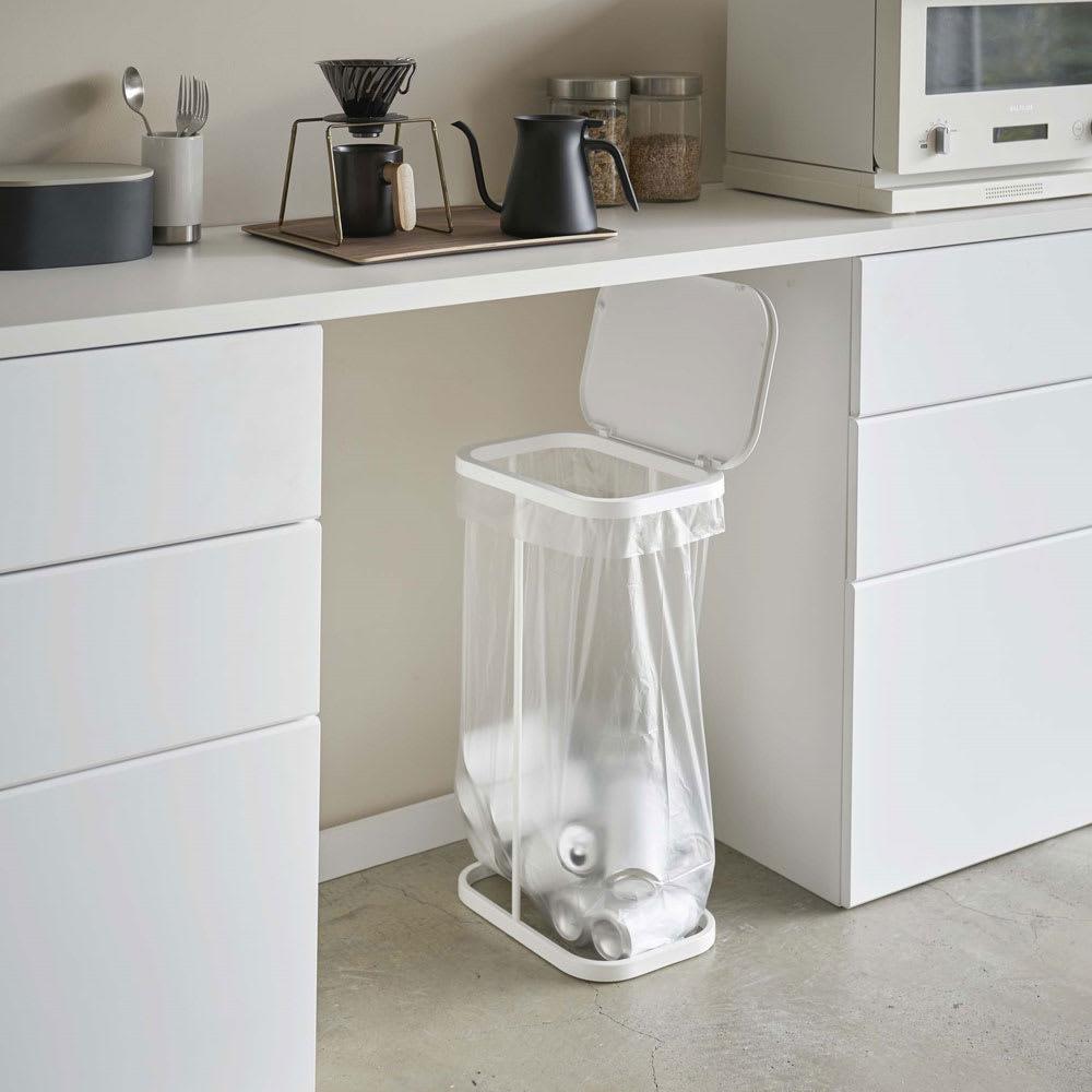 横開き分別ゴミ袋ホルダー ルーチェ 使用イメージ(ア)ホワイト