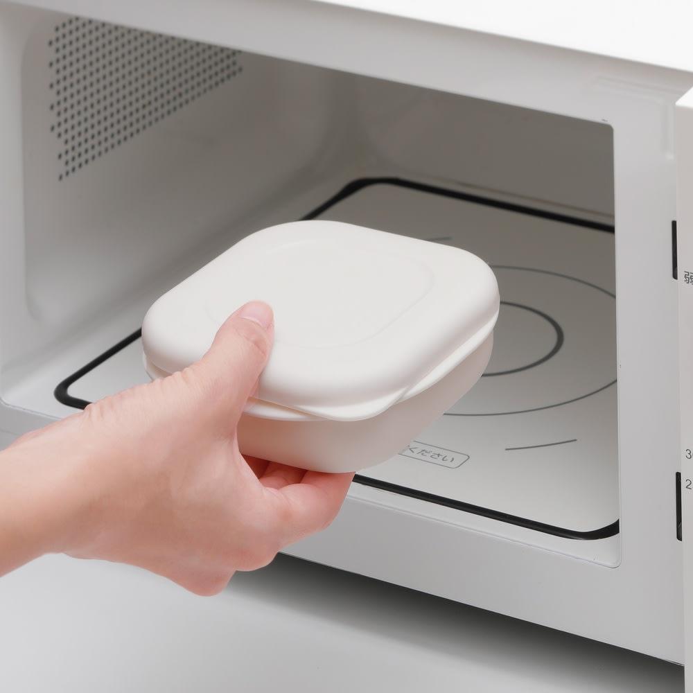 炊き立てご飯を美味しく冷凍!マーナ 極 冷凍ごはん容器 2個組 冷凍ごはんも、500Wで約3分30秒、レンジでチン!!
