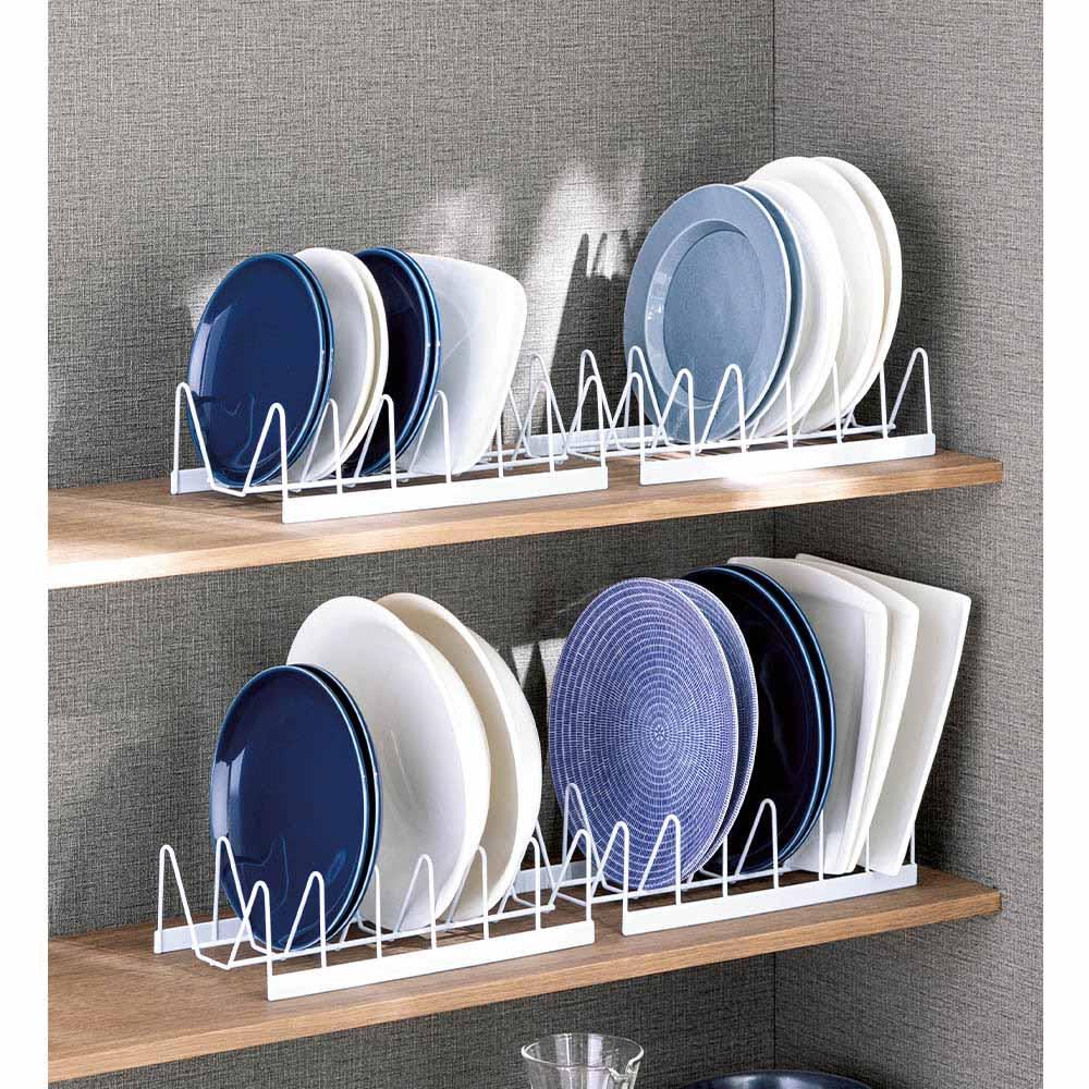 皿を立てて置けるディッシュラック4個組 食器の整理は縦置きが便利。樹脂コーティングなので、お皿を傷める心配もありません。