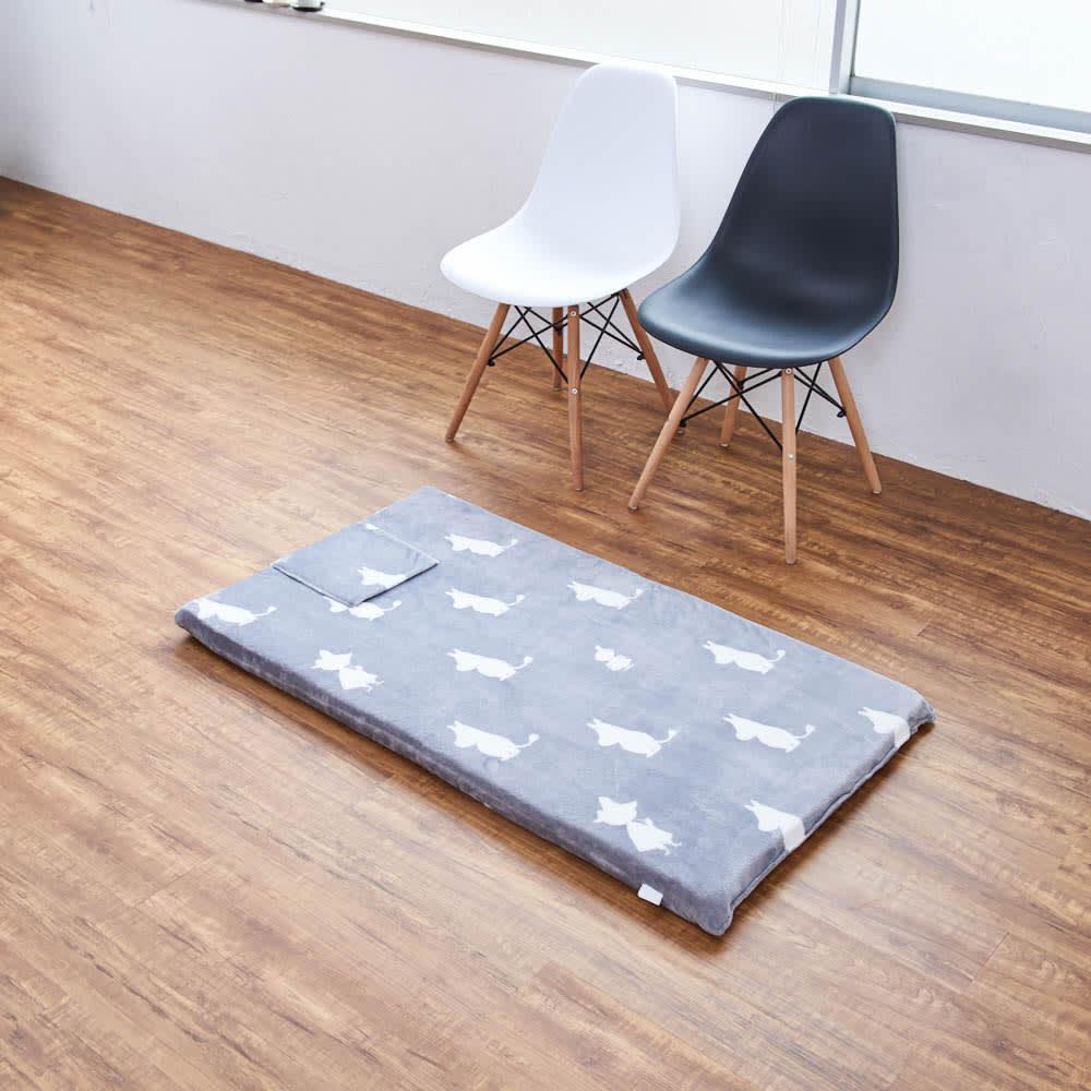 ムーミンごろ寝布団 ポケット部分を上にして、枕代わりに使えます ※写真は65×120cmタイプです。