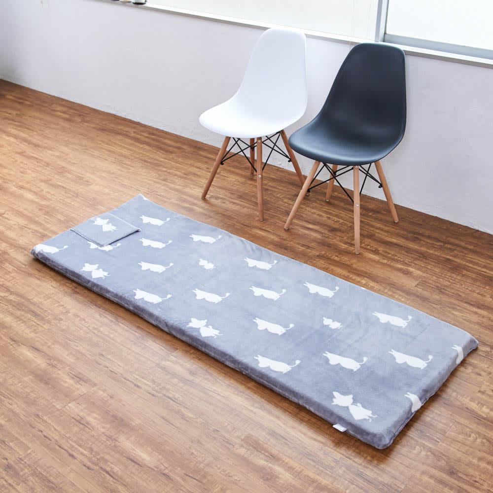 ムーミンごろ寝布団 ポケット部分を上にして、枕代わりに使えます ※写真は65×180cmタイプです。