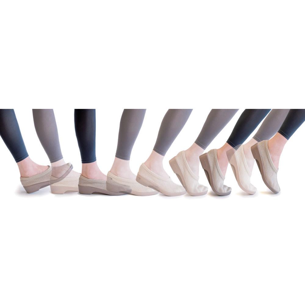 ARCOPEDICO/アルコペディコ フロントリボンバンド バレエシューズ ジオ2 かかとからつま先まで正しい足運びができるので、軽快に歩行できます。